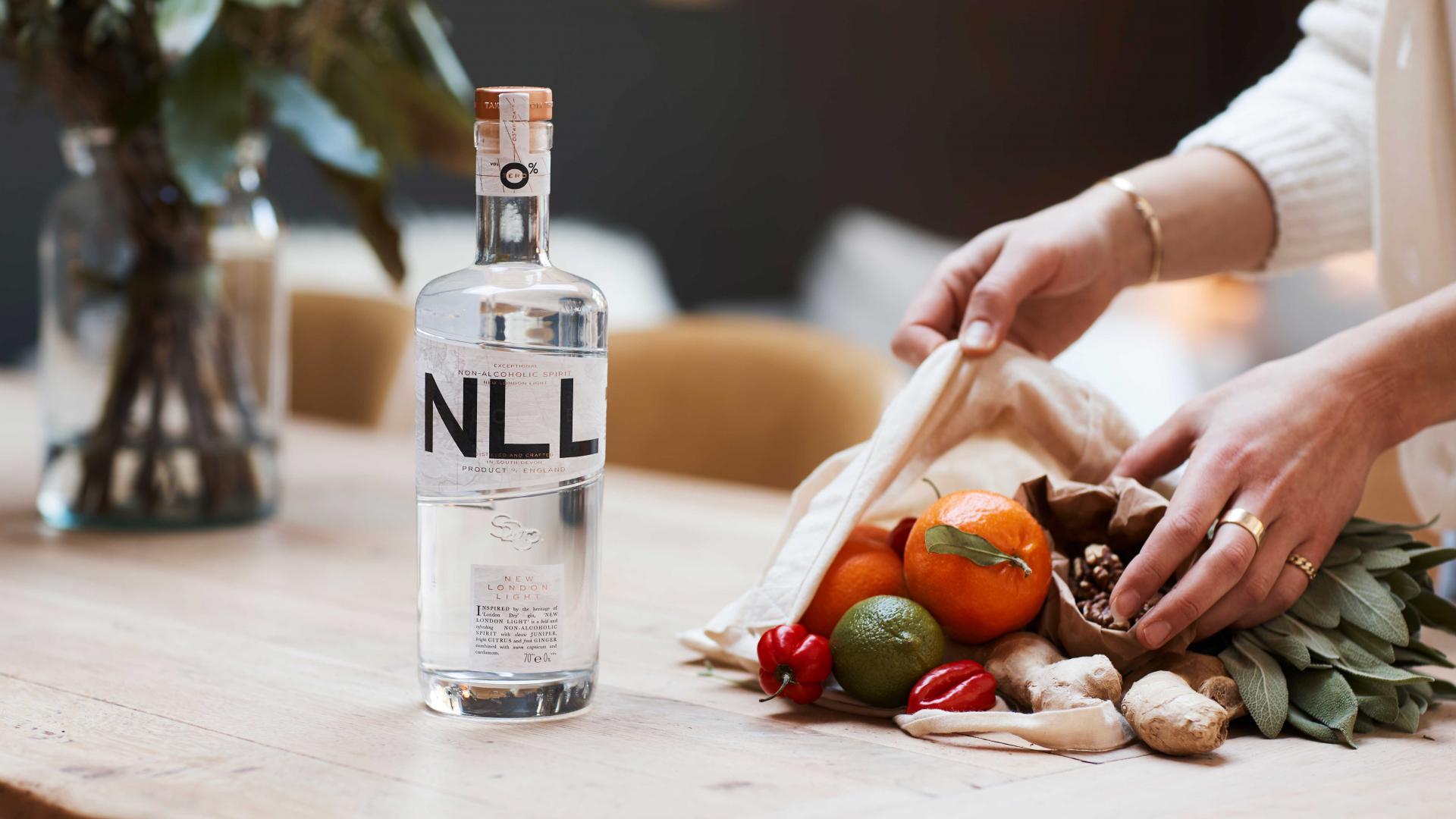 Non-alcoholic spirits: Salcombe Distilling Co New London Light