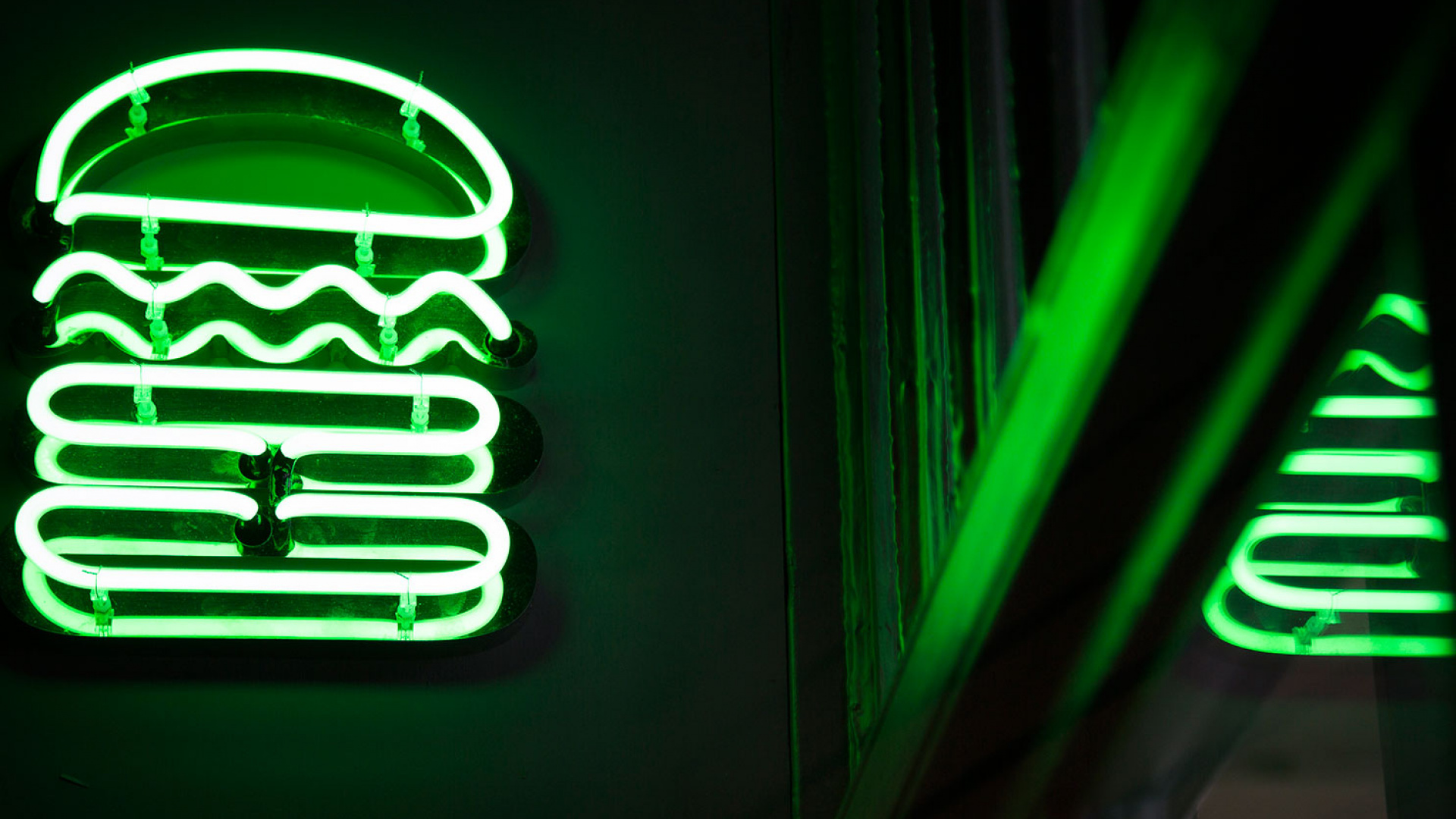 Shake Shack neon lighting