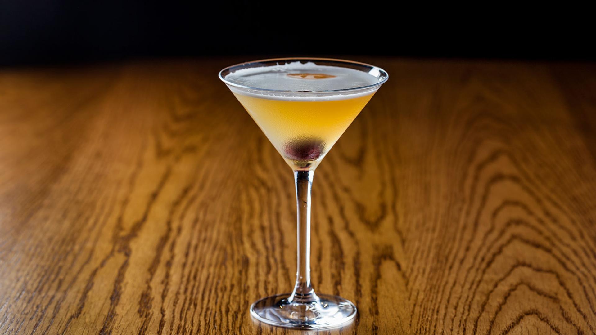 Ippudo's whisky sour using Hakushu whisky