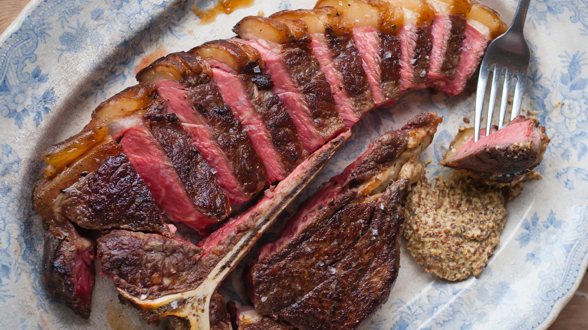 Little Smoke's porterhouse steak