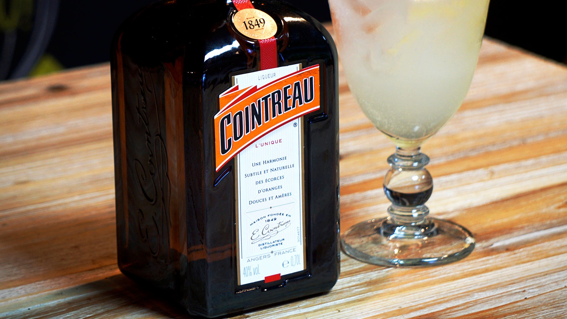 Best Cointreau Cocktail: Try This Cointreau Fizz