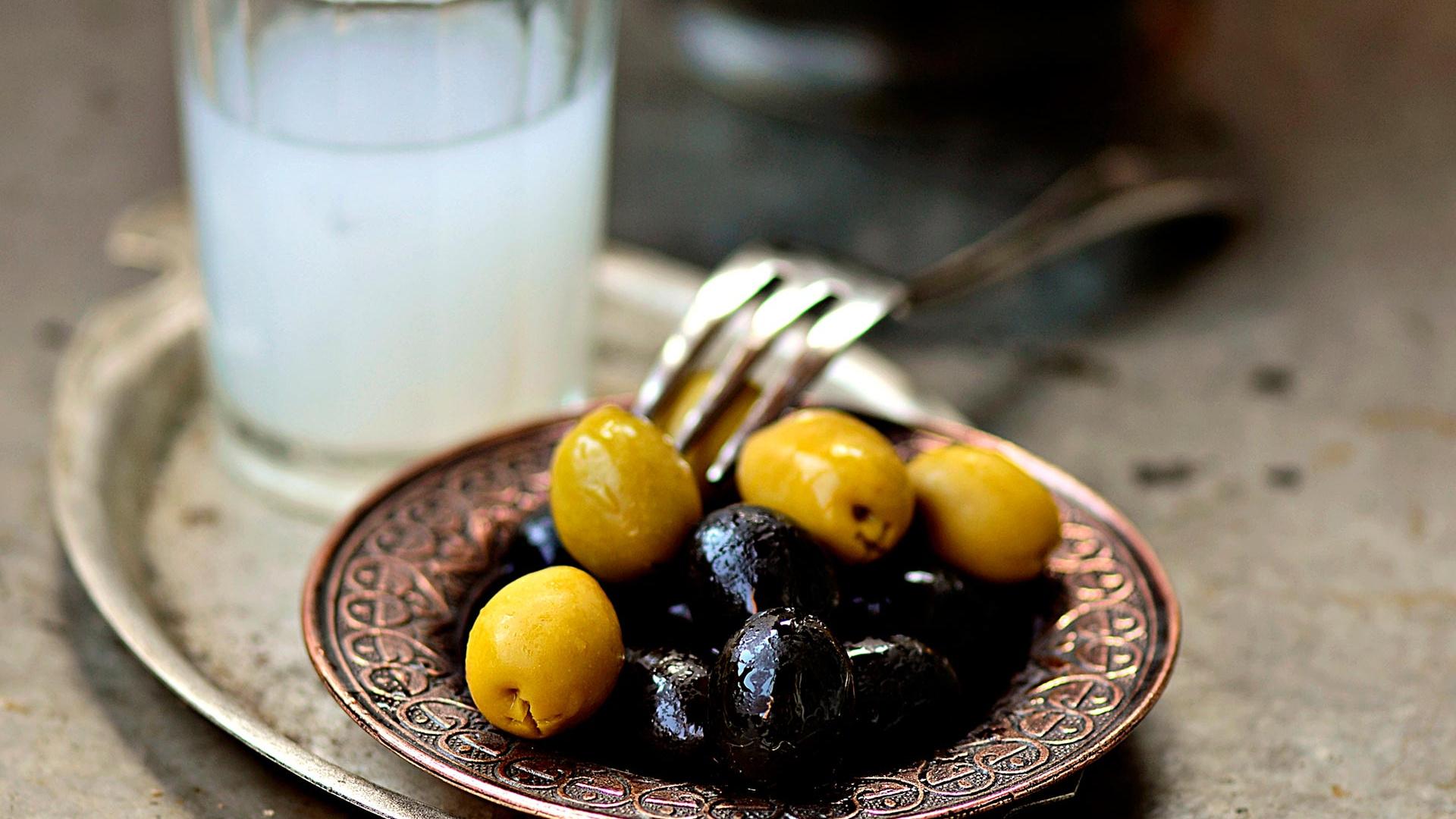 National drinks from around the world: Turkish raki