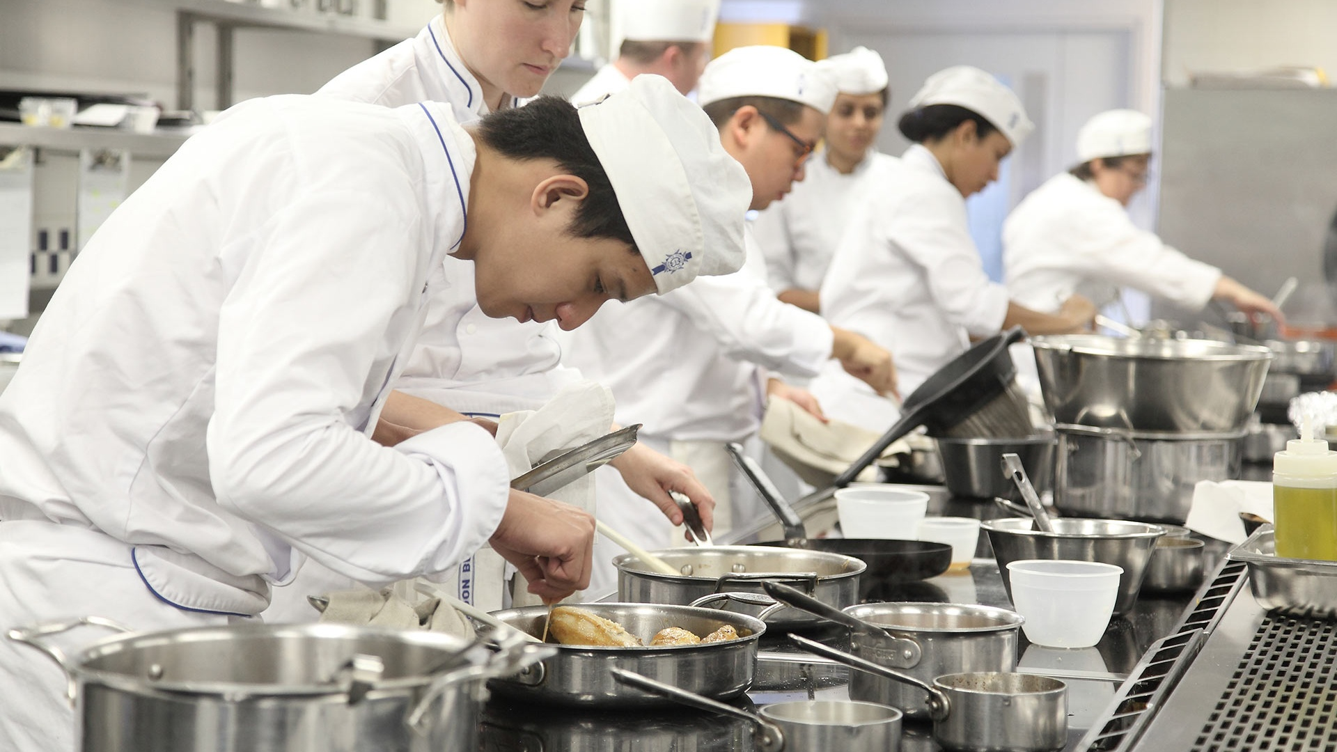 Le Cordon Bleu announces finalists for the 2017 Scholarship Award