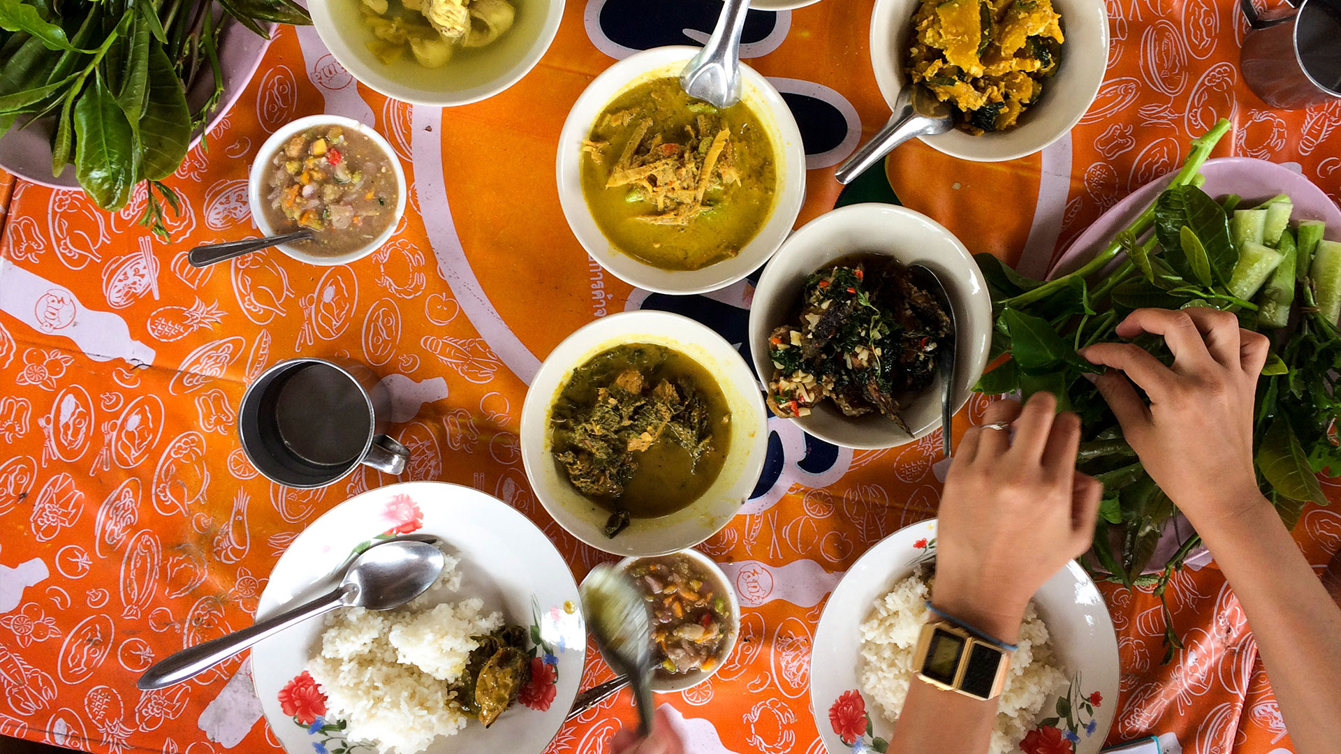 Khao geng at a roadside café in Trang, southern Thailand. Photograph by Mike Gibson
