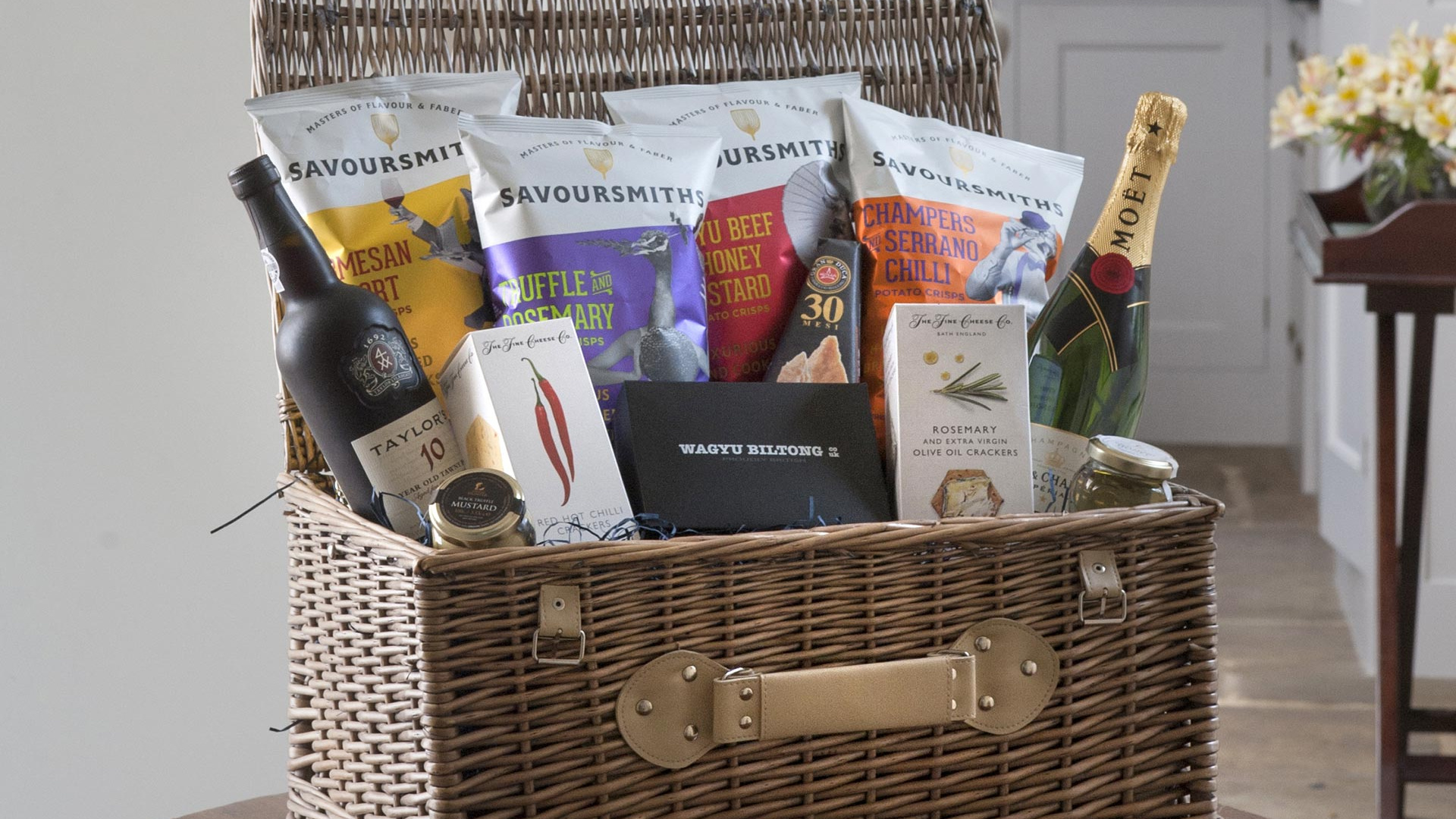 Win a SAVOURSMITHS luxury hamper