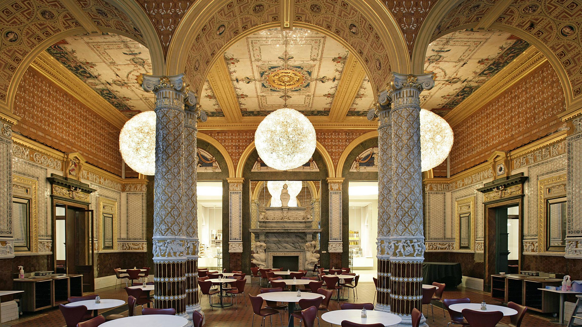 V&A Café; Photograph © Victoria and Albert Museum London