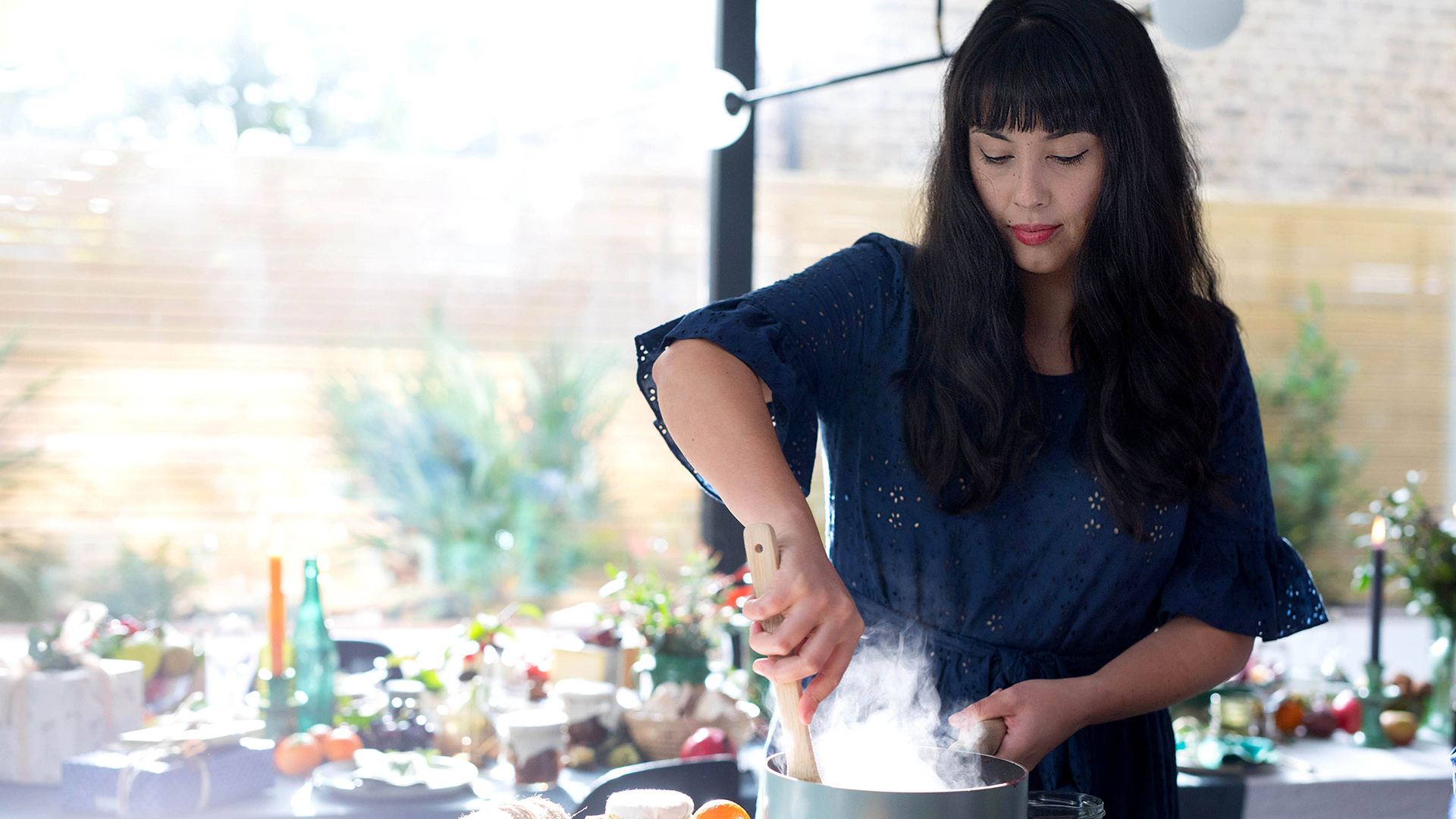 Melissa Hemsley's Christmas Tips: The chef in the kitchen cooking