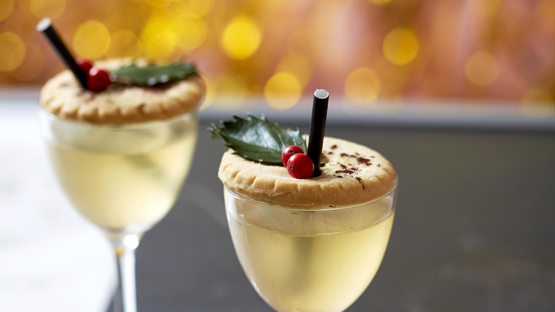 Mam Sham's Mine Pie'd Christmas Cocktail