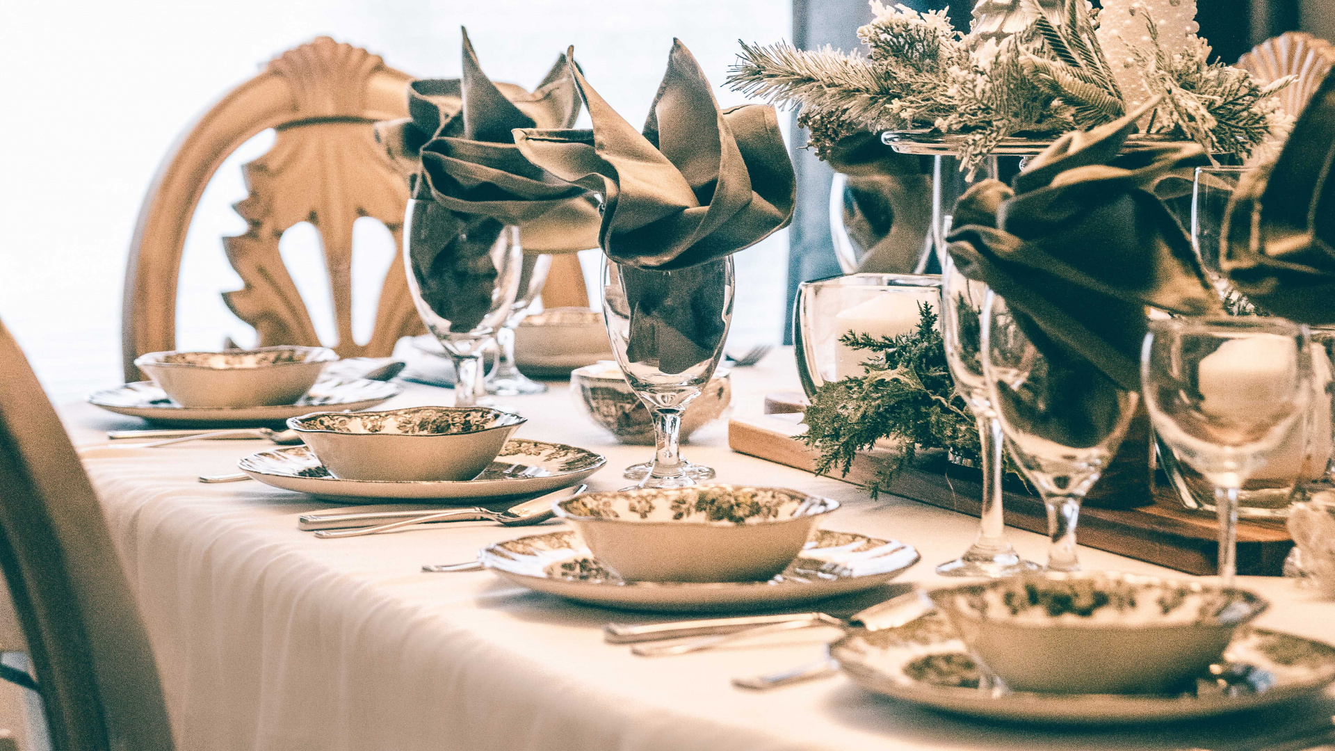 Social Pantry's Alex Head on Christmas table decorations