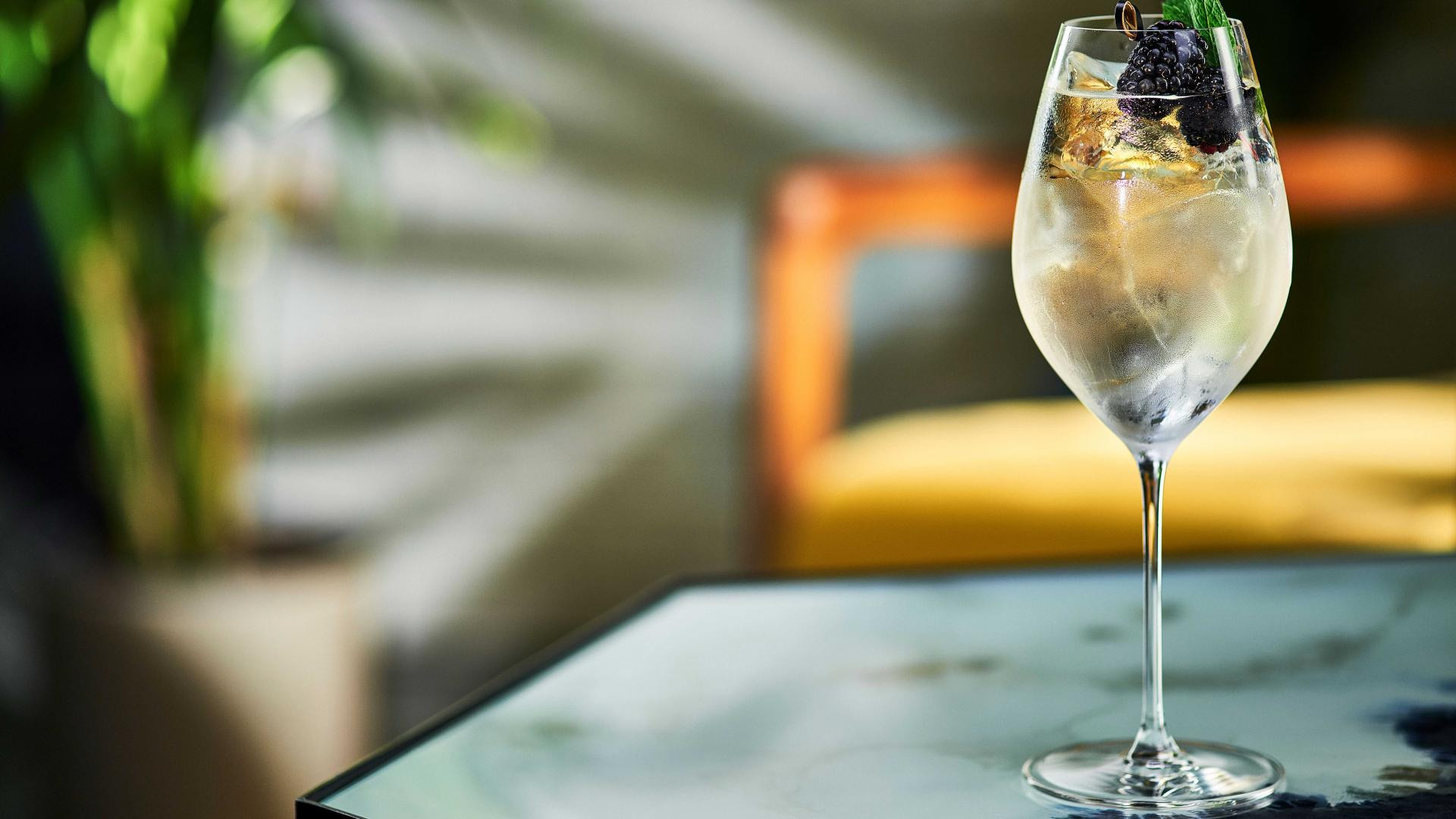 Spritz recipes: Belvedere Organic Infusions blackberry and lemongrass spritz