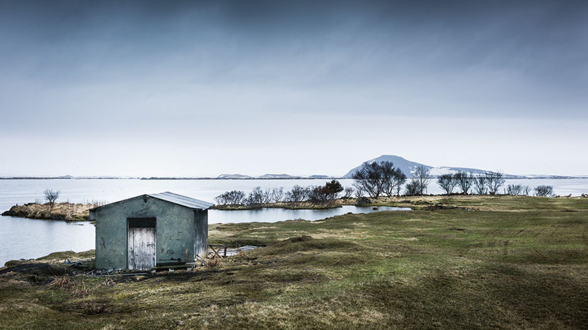 A traditional Icelandic smokehouse beside Lake Myvatn
