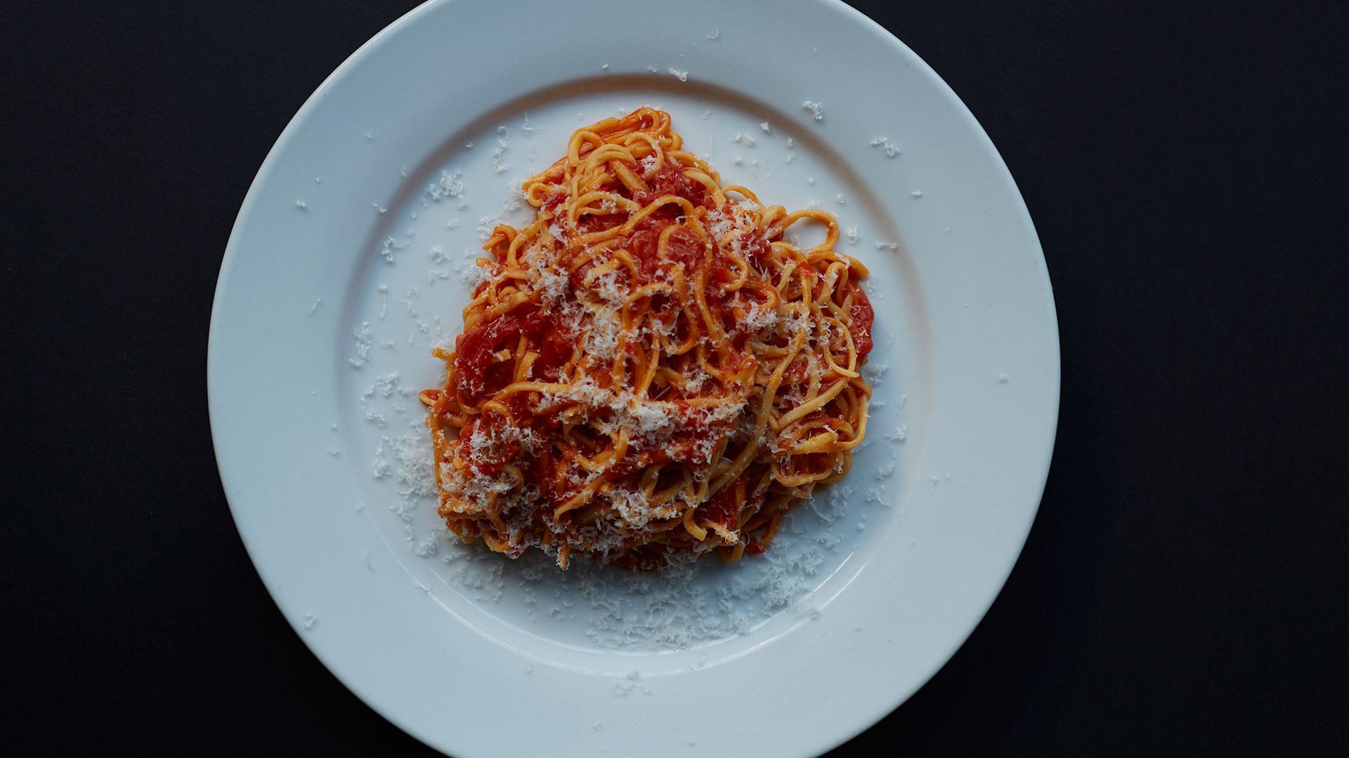 Tagliarini with tomato sauce