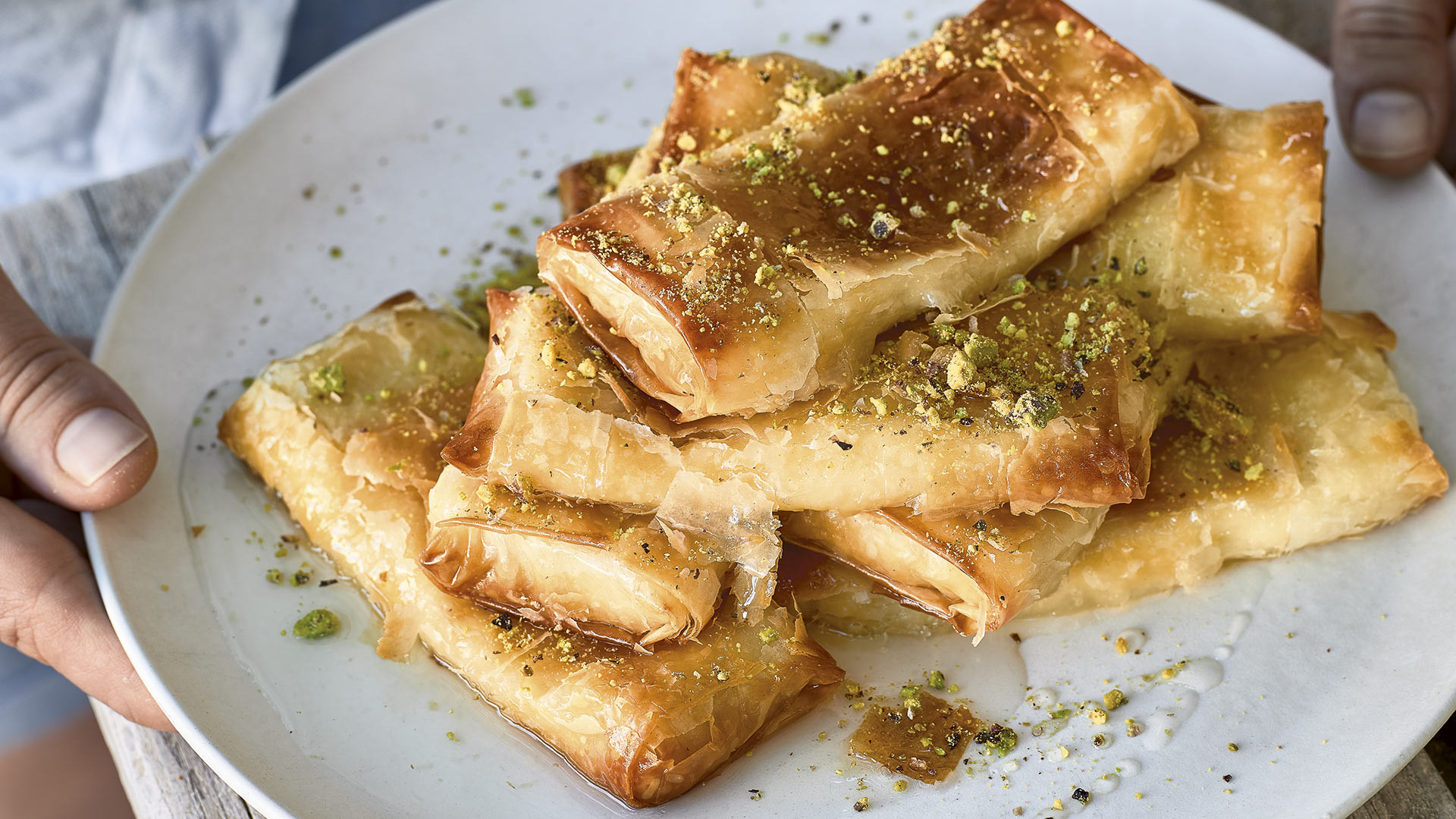 Semolina custard and filo borek