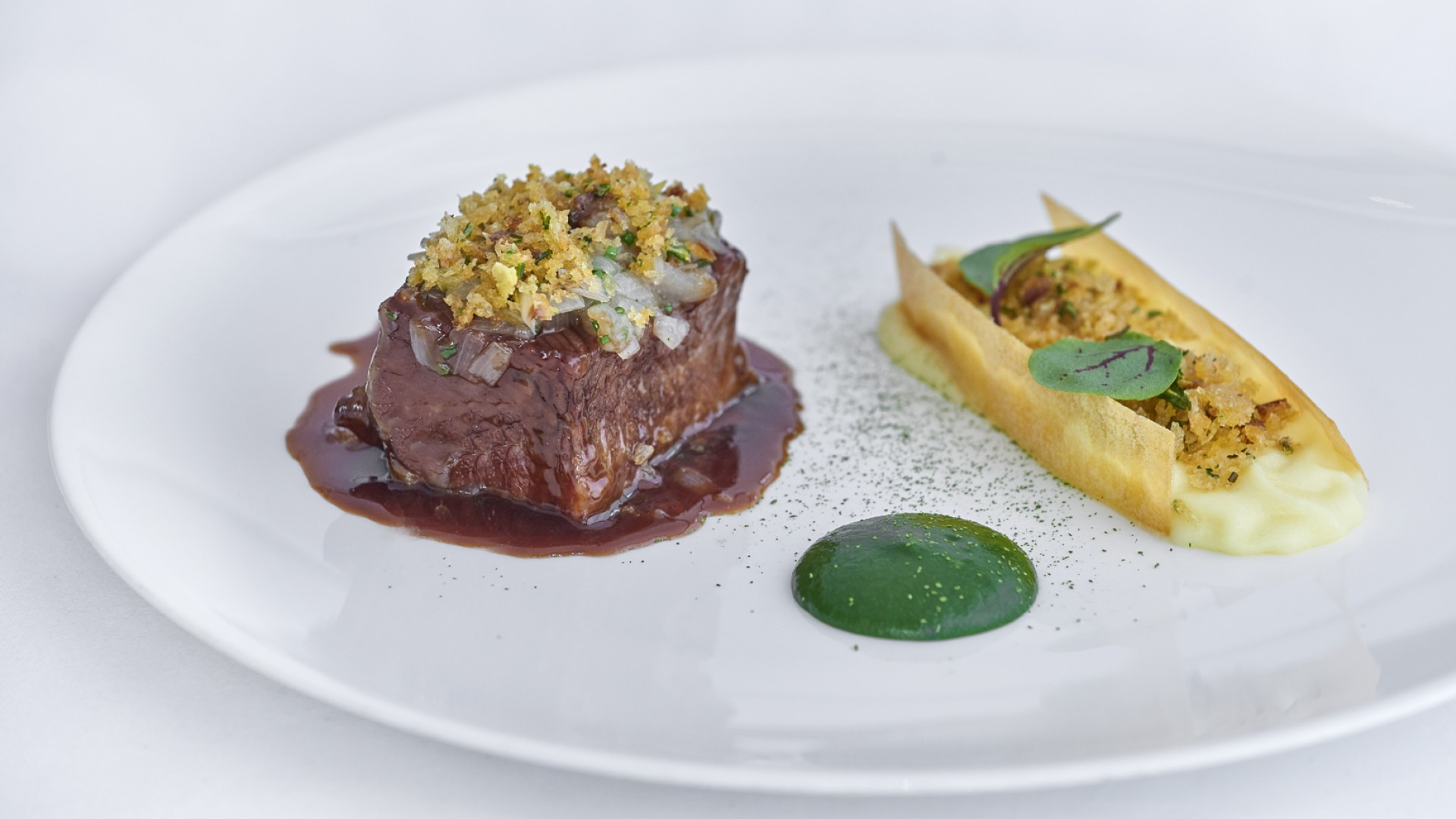 Beef with pear, stilton and cumin
