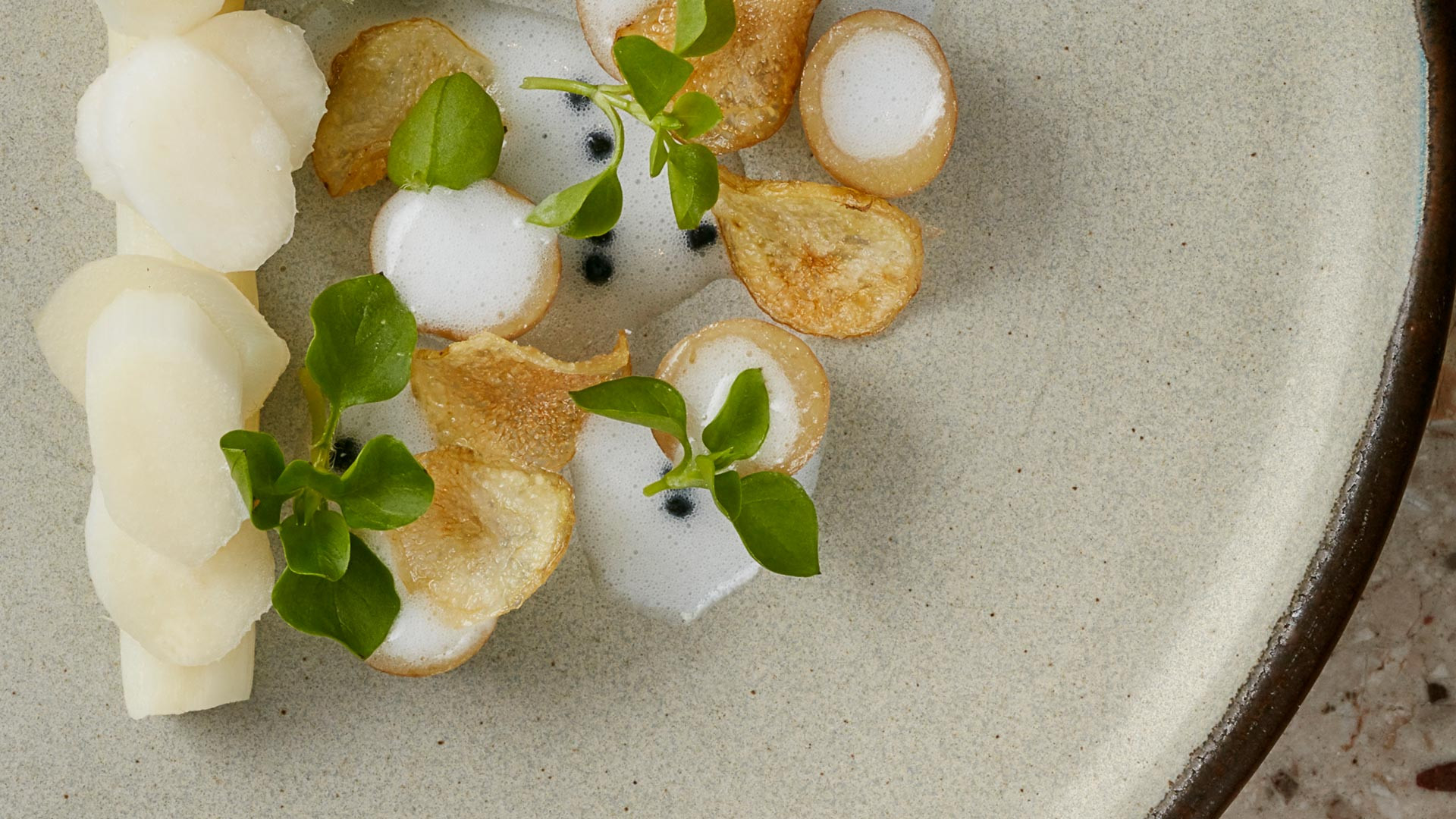 White asparagus, linzer potatoes, caviar and whey