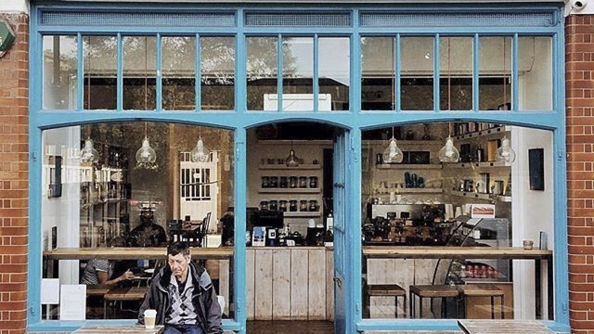 Paper & Cup exterior