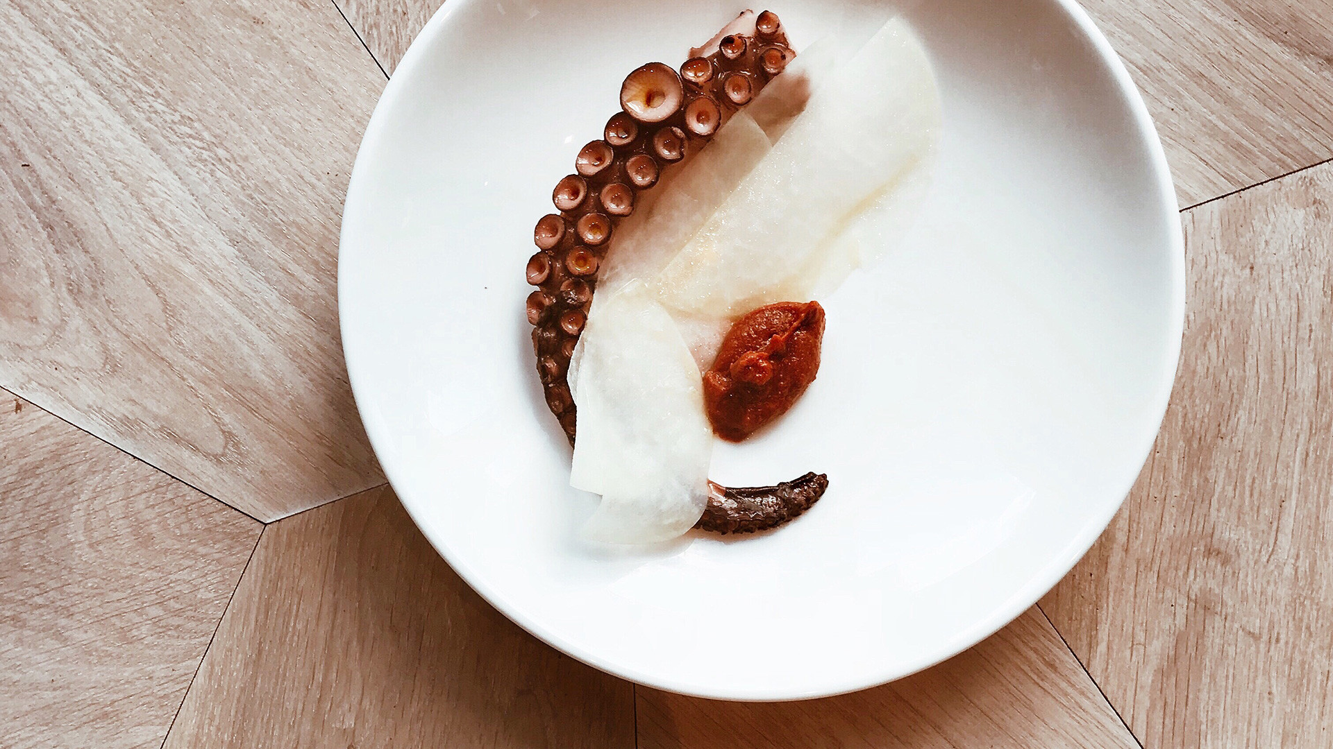 Octopus with red pepper and miso from Londrino