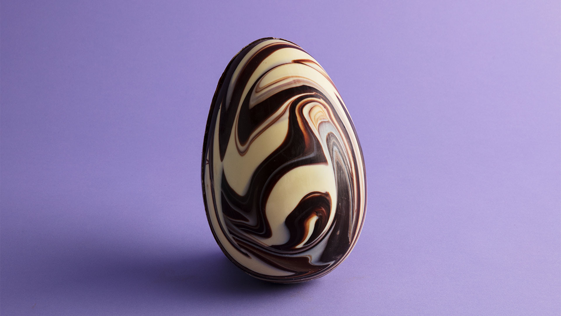 Abel & Cole XXL marbelled chocolate egg with milk chocolate buttons