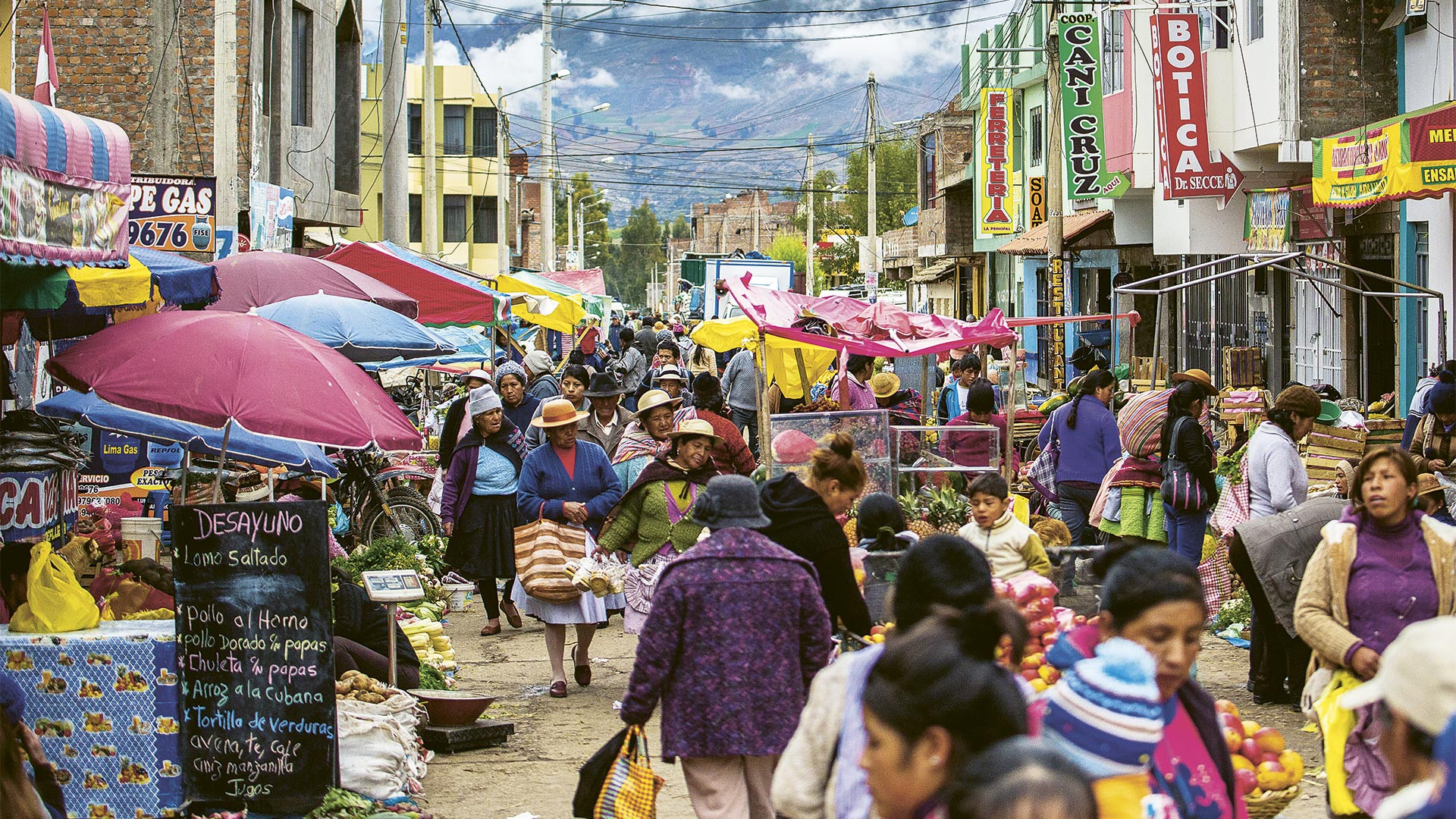 An Andean food market