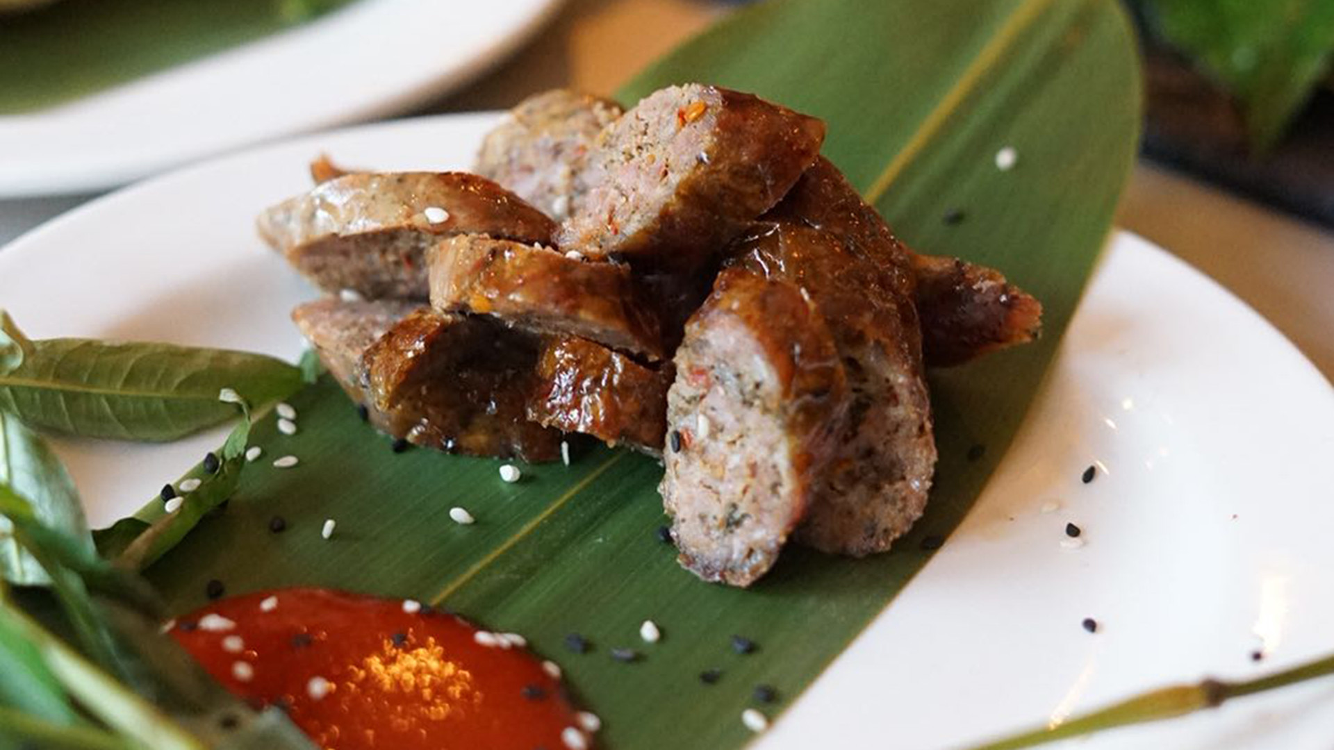 Sai Oua: smoked Chaing Mai pork sausages from KraPow