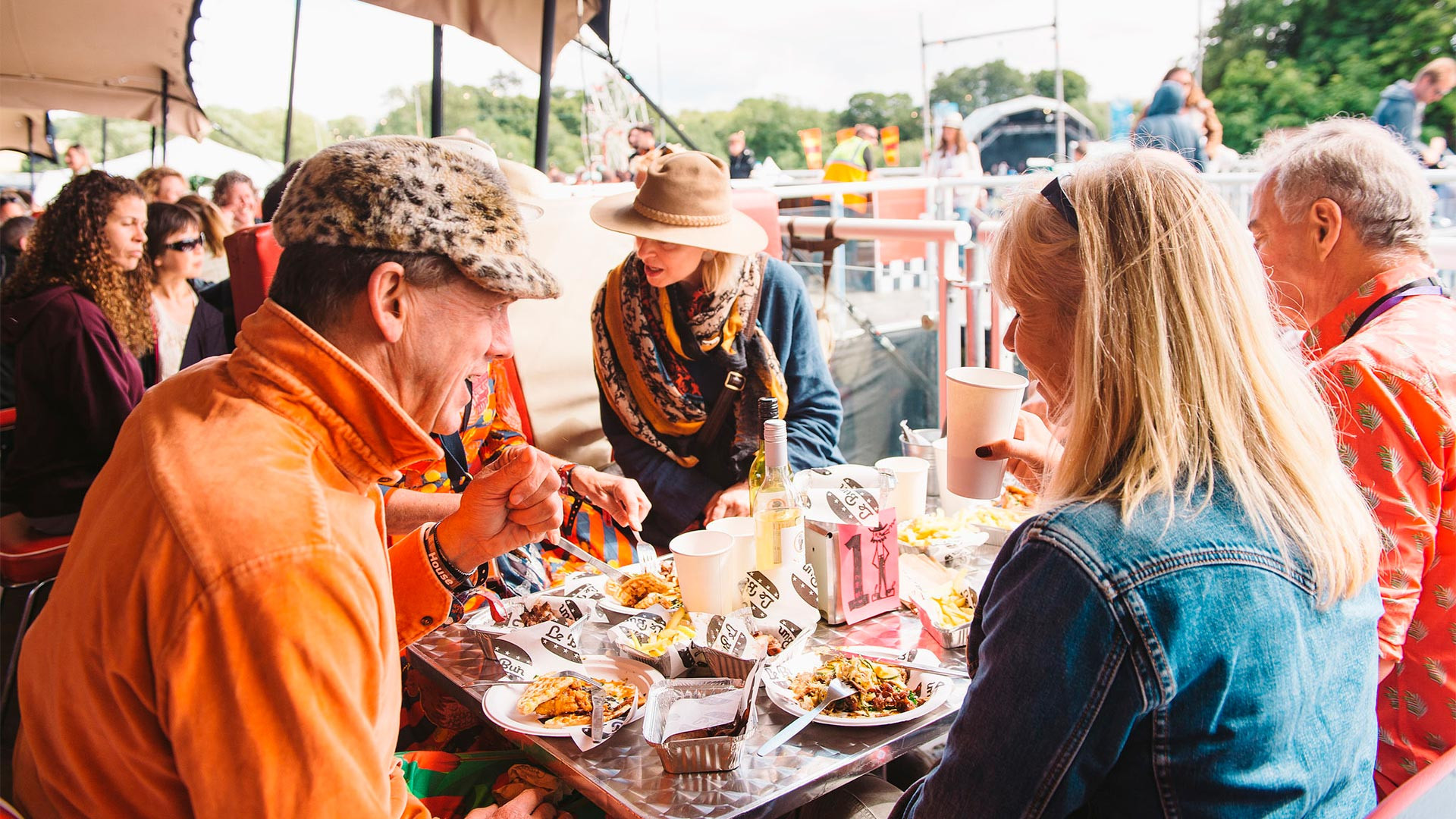 Le Bun's diner at Standon Calling 2017