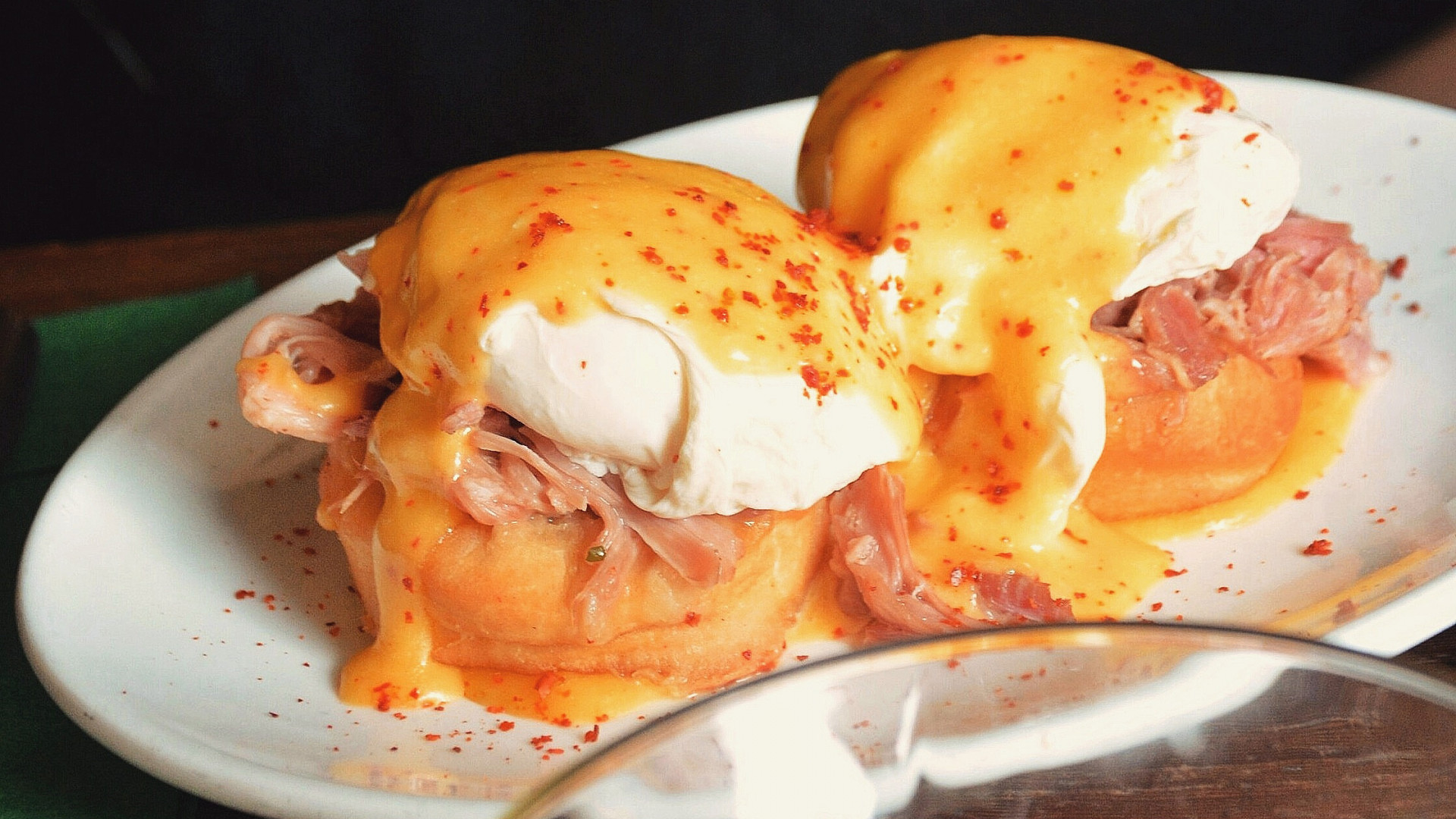 Eggs Benedict at Rudie's