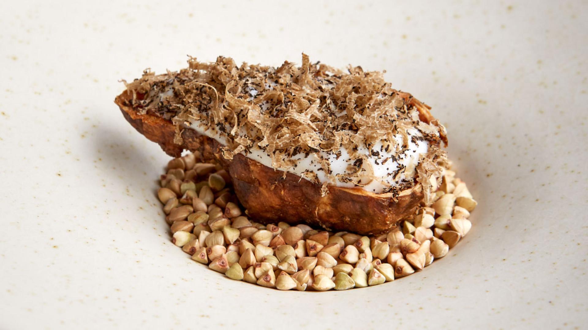 Jerusalem artichoke with cod and truffle