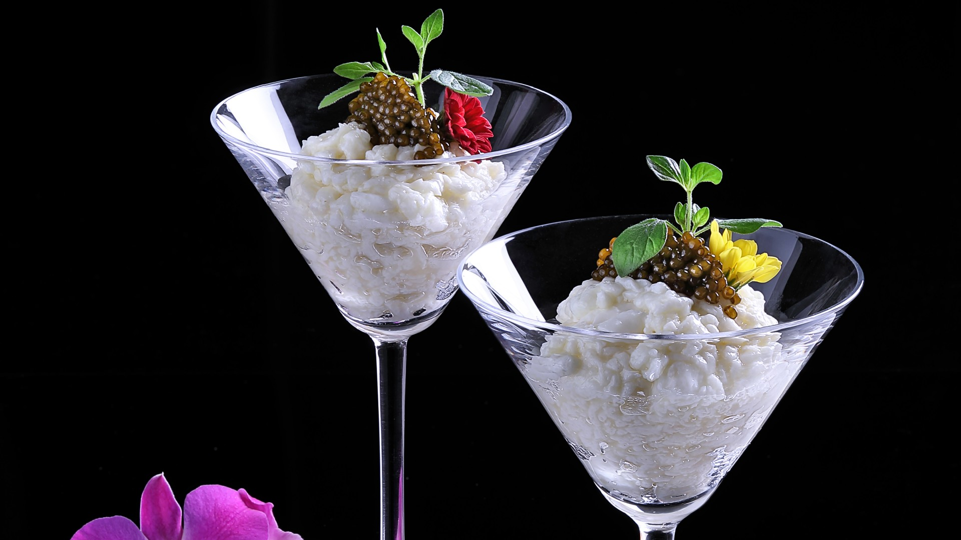 Caviar on egg white