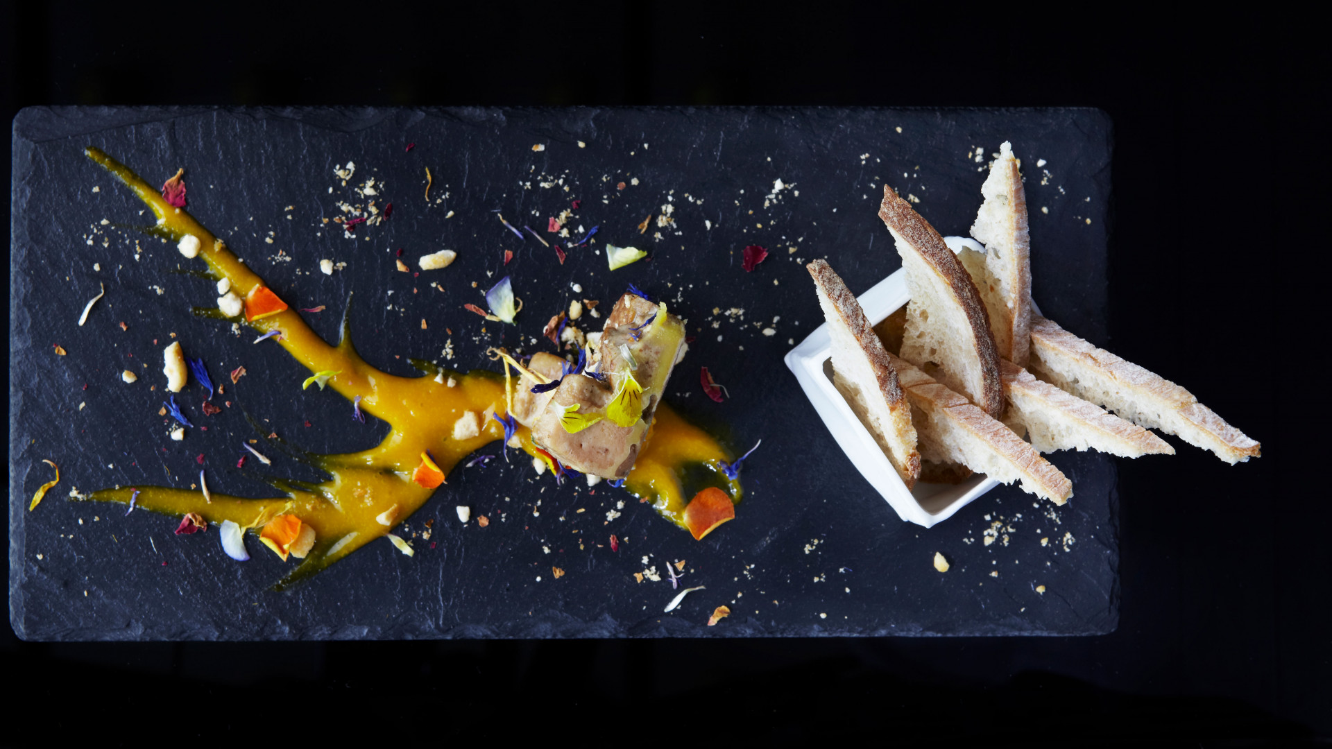 Foie totem with mango dressing