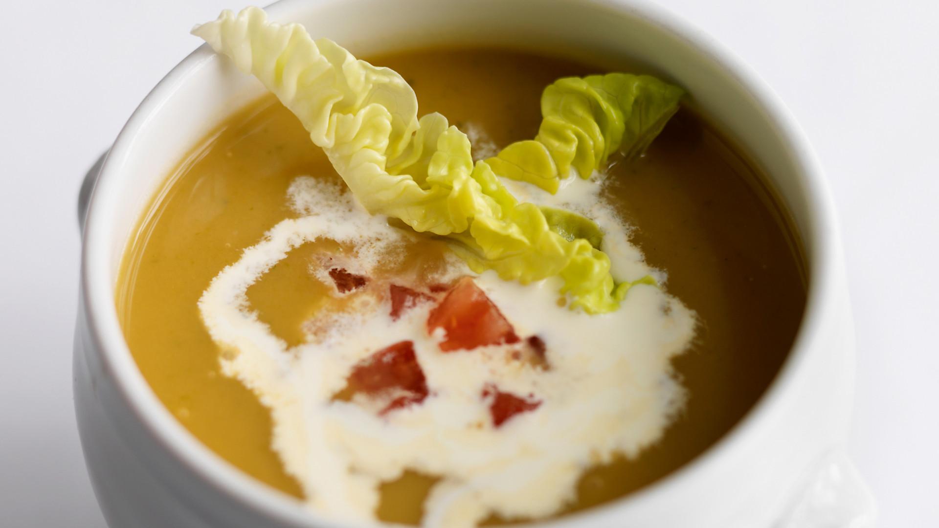 Lettuce soup at Le Gavroche
