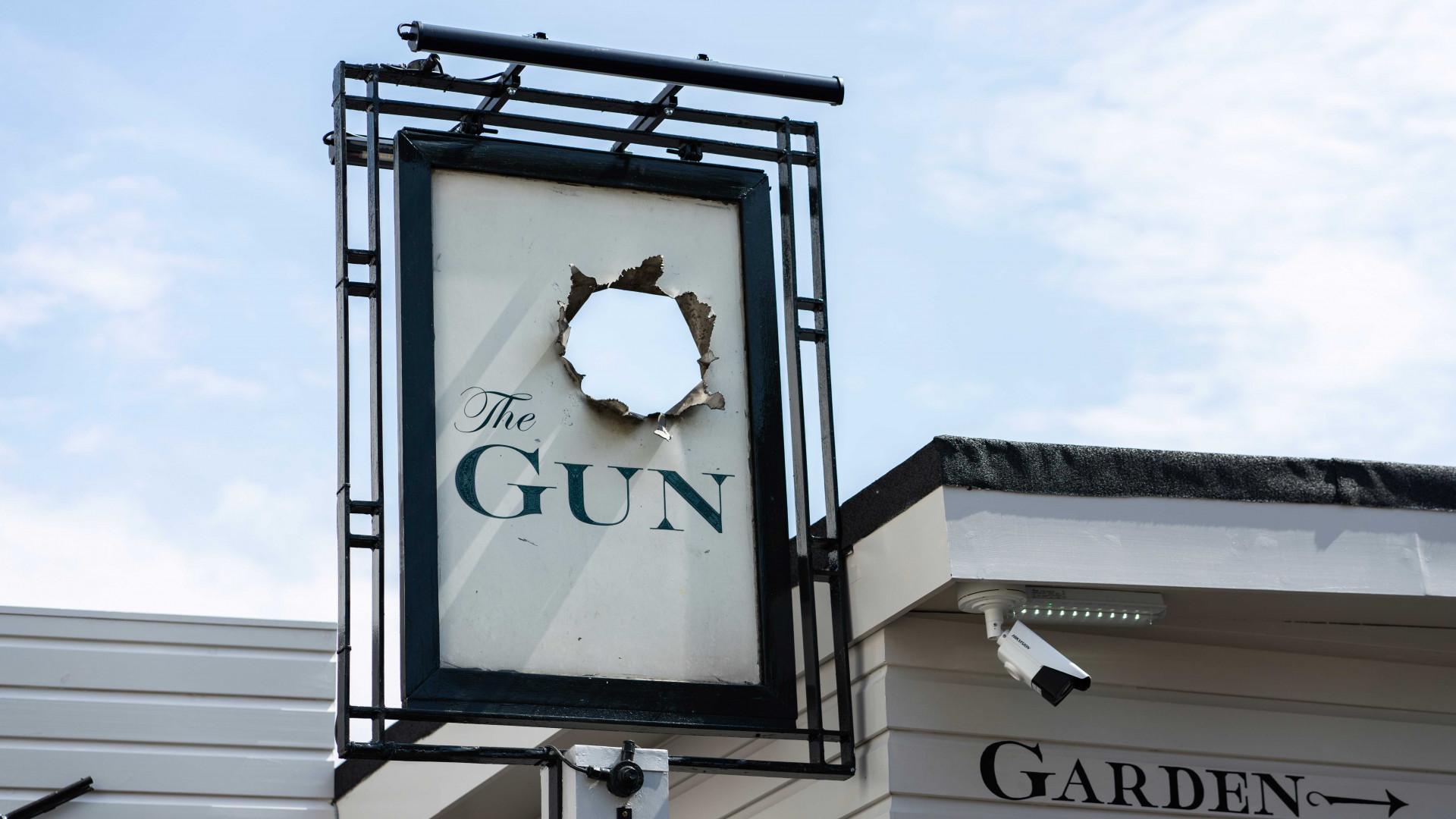The Gun, Docklands