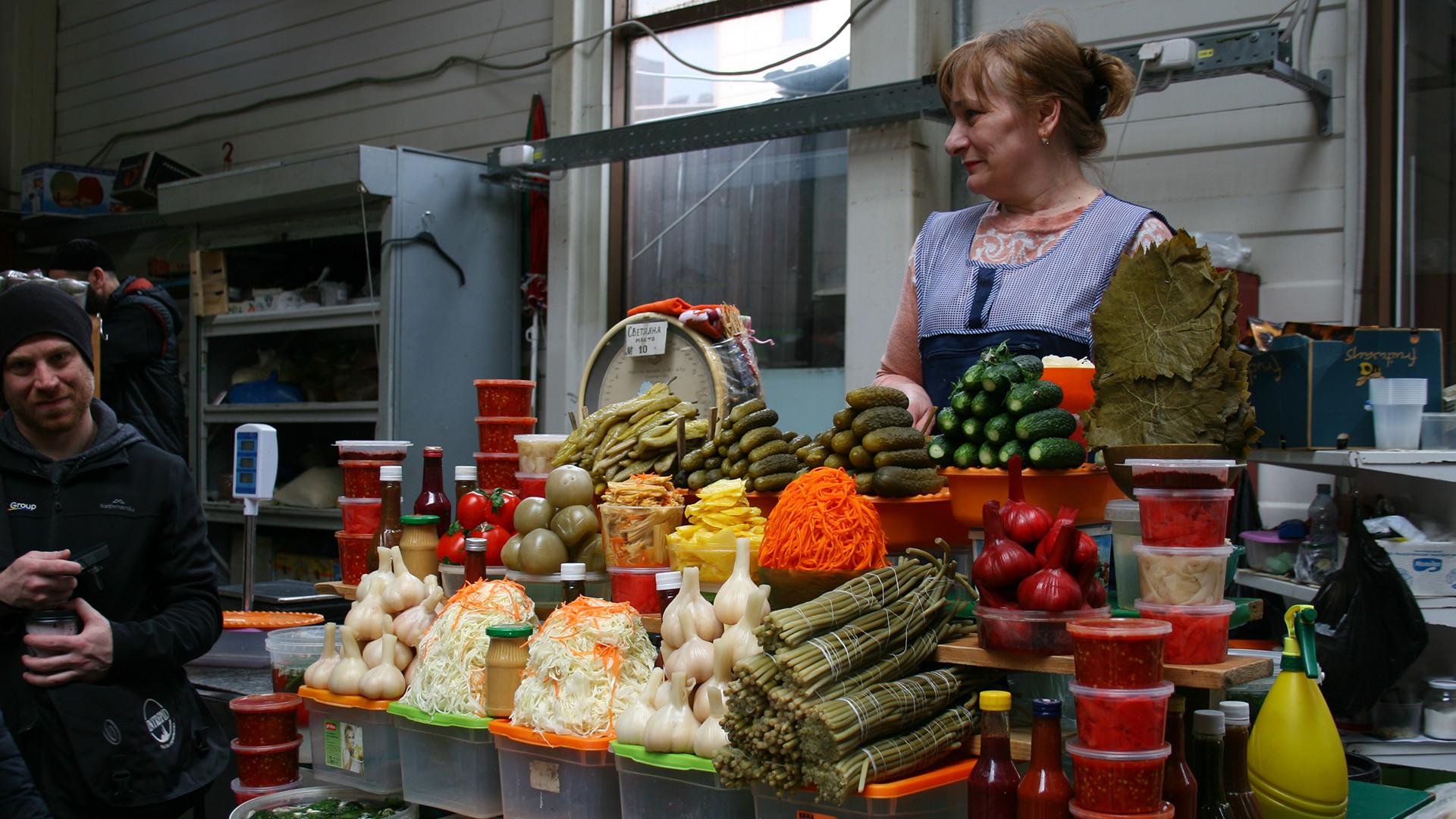 Sennaya Square market