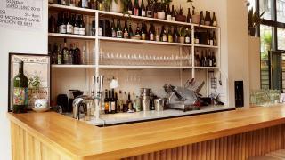 Natural wine bar: Bright