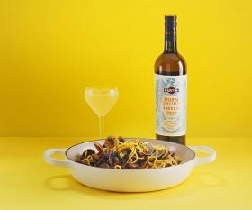 Stevie Parle's spaghetti alle vongole with Martini Riserva Speciale Ambrato