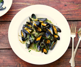 Margot Henderson's steamed mussels