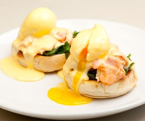Alaska salmon eggs royale