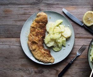 Schnitzel with Swabian potato salad