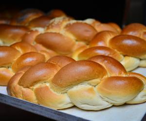 Challah bread from J Grodzinski & Daughters; photograph by Maciej Klimecki