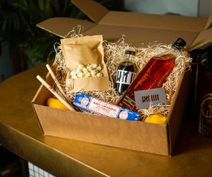 Home cocktail kits: Nine Lives