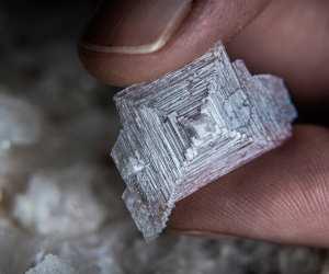 Salt and pepper | A sea salt crystal from Blackthorn salt